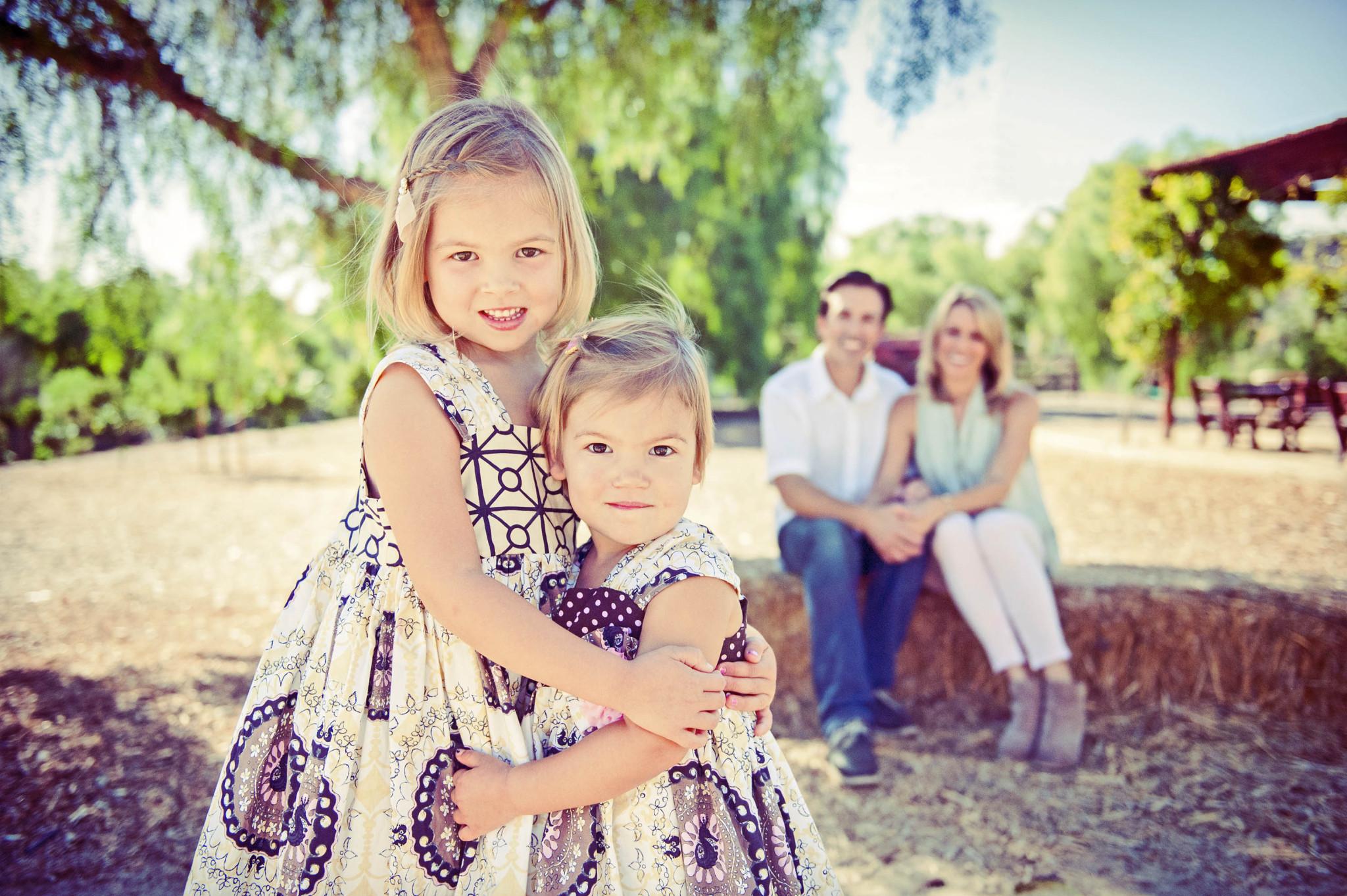 96 best Family Portrait Ideas images on Pinterest Family pictures Cute family photo ideas